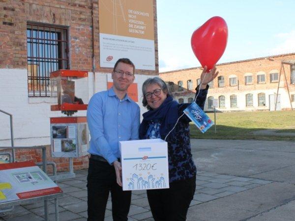Daniel Peters, Abteilungsleiter Projektentwicklung bei UKA Cottbus und Sylvia Wähling, Geschäftsführende Vorsitzende des Menschenrechtszentrum Cottbus e.V. am 12. Februar 2019