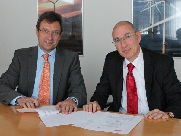 Frank Neumann vom DSB und der Geschäftsführende Gesellschafter der UKA-Gruppe Gernot Gauglitz