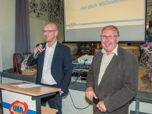 Michael Böhm (Geschäftsführer von UKA Projektträger) und Bernd Dikau (Bürgermeister von Lohmen) bei der Festansprache