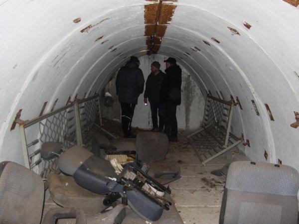 Noch sammeln sich Altmetall und Siedlungsmüll in den verlassenen Bunkern. Nun soll hier ein Ruheort für Fledermäuse entstehen.
