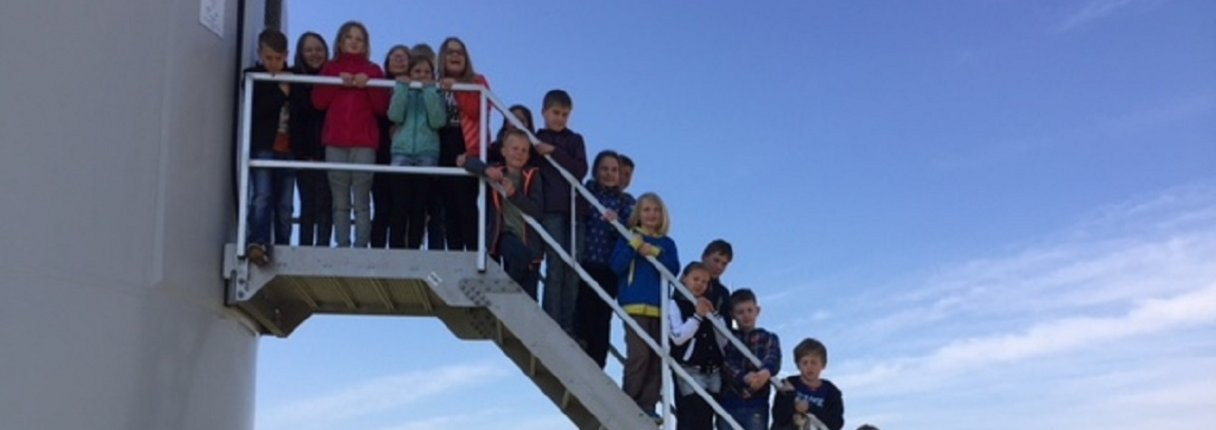 Schüler der Grundschule Pretzier beim Projekttag Erneuerbare Energien