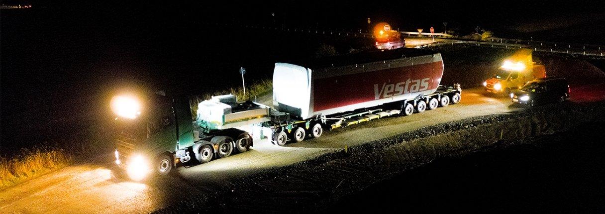 Die Schwertransporte finden nachts zwischen 22 und 6 Uhr statt.