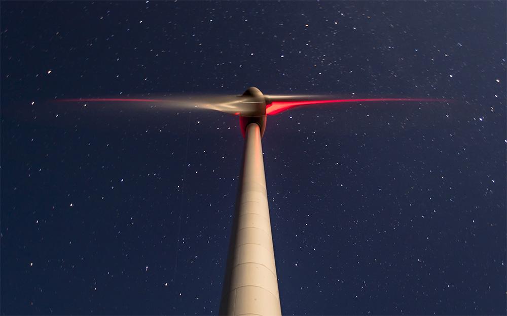 Rotorblätter Rotor Windenergieanlage Nacht Befeuerung WEA Sterne